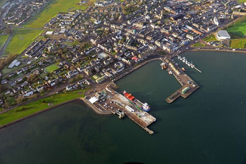 Campbeltown Harbour showing tower section being loaded